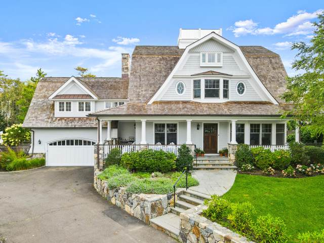 11 Lighthouse Lane, Old Greenwich, CT 06870 (MLS #111101) :: The Higgins Group - The CT Home Finder