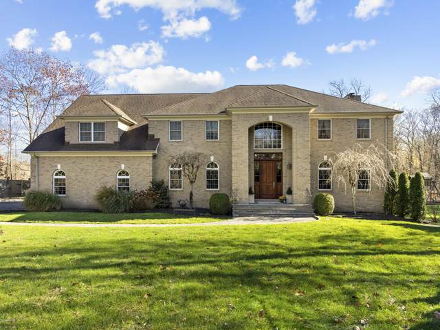 73 Bowman Drive, Greenwich, CT 06831 (MLS #111743) :: Frank Schiavone with William Raveis Real Estate