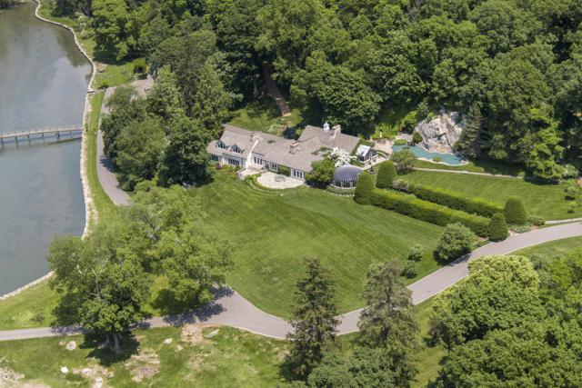 33 Meadow Wood Drive, Greenwich, CT 06830 (MLS #105978) :: The Higgins Group - The CT Home Finder