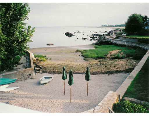 12 E Point Lane, Old Greenwich, CT 06870 (MLS #107614) :: The Higgins Group - The CT Home Finder