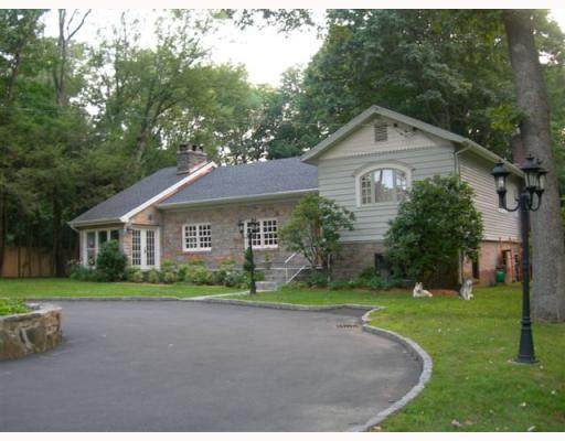 26 Bedford Road, Greenwich, CT 06831 (MLS #114392) :: Kendall Group Real Estate | Keller Williams