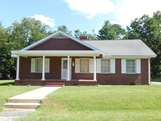 717 Keisler Dr., Greenwood, SC 29649 (MLS #116080) :: Premier Properties Real Estate