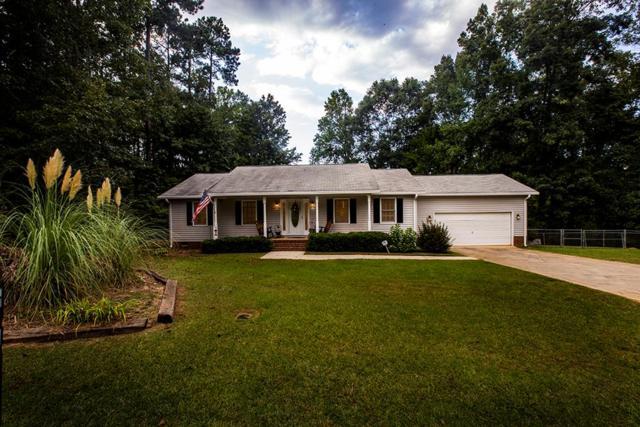 110 Lakeview Drive, Greenwood, SC 29649 (MLS #116208) :: Premier Properties Real Estate