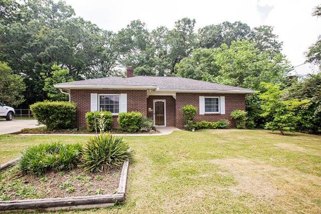 302 N Bowles, Greenwood, SC 29649 (MLS #117391) :: Premier Properties Real Estate