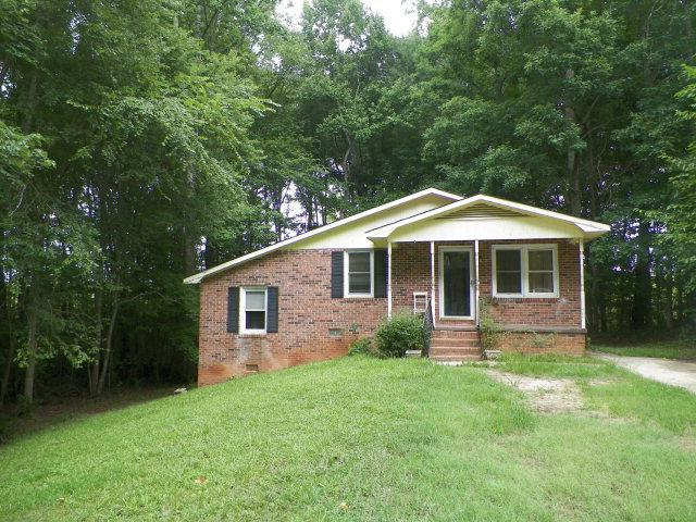 307 Mckellar Dr., Greenwood, SC 29646 (MLS #108613) :: Premier Properties Real Estate
