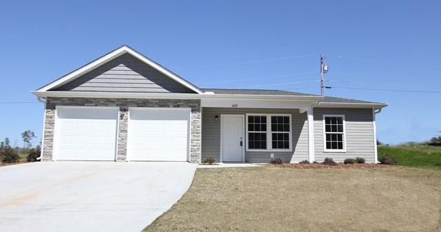 2205 E Cambridge Av, Greenwood, SC 29649 (MLS #113612) :: Premier Properties Real Estate