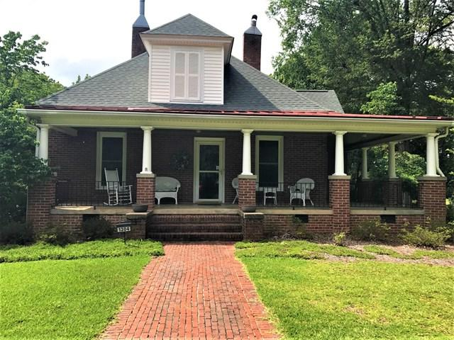 1304 Mccormick Hwy, Greenwood, SC 29646 (MLS #114096) :: Premier Properties Real Estate
