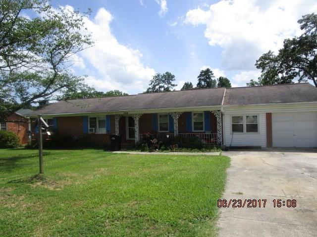 108 Colonial Dr, Greenwood, SC 29652 (MLS #114115) :: Premier Properties Real Estate