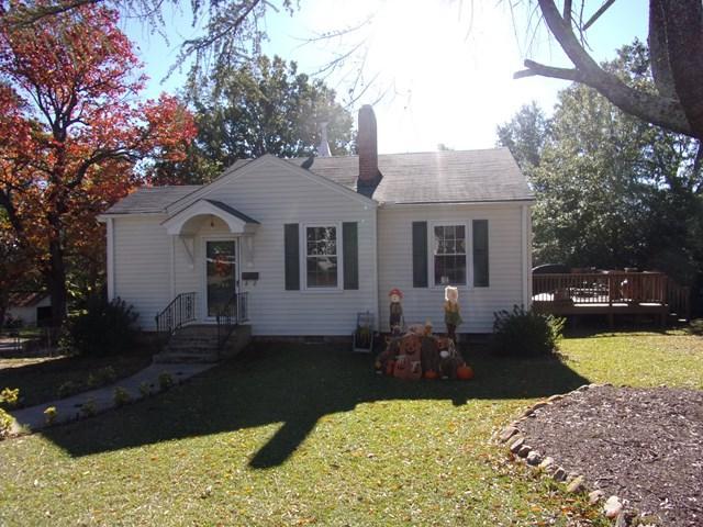 230 E Laurel Ave, Greenwood, SC 29649 (MLS #114692) :: Premier Properties Real Estate