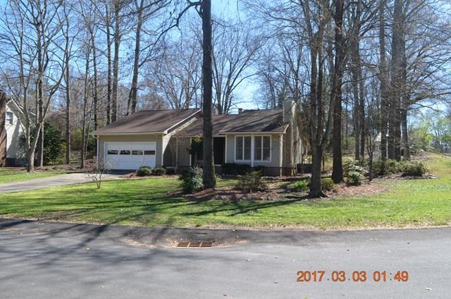 102 Curl  Drive, Greenwood, SC 29649 (MLS #114924) :: Premier Properties Real Estate