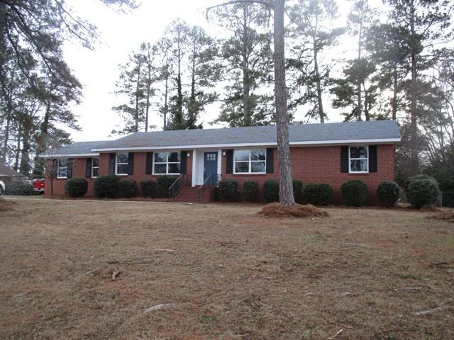 605 Colonial Dr, Greenwood, SC 29649 (MLS #114946) :: Premier Properties Real Estate