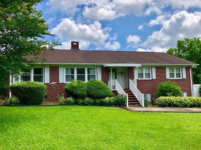 125 Hill & Dale, Greenwood, SC 29646 (MLS #115781) :: Premier Properties Real Estate