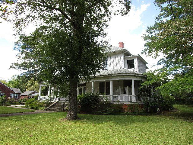 1108 North Main Street, Abbeville, SC 29620 (MLS #116282) :: Premier Properties Real Estate
