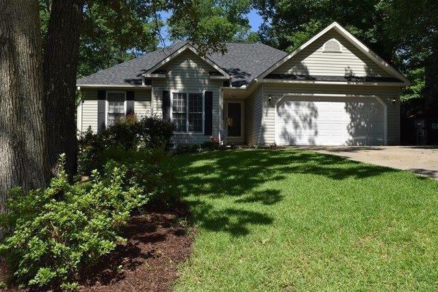 107 Oak Ridge Dr, Greenwood, SC 29649 (MLS #116363) :: Premier Properties Real Estate
