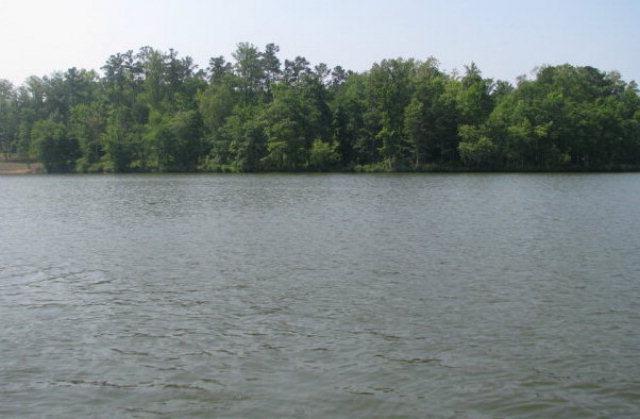 912&914 Eagles Harbor Dr, Hodges, SC 29653 (MLS #116378) :: Premier Properties Real Estate