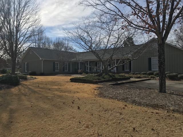 105 Cedar Lake Ct., Greenwood, SC 29646 (MLS #116853) :: Premier Properties Real Estate