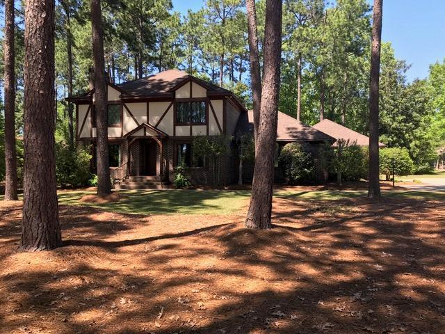 315 Lodge Dr., Greenwood, SC 29646 (MLS #117220) :: Premier Properties Real Estate