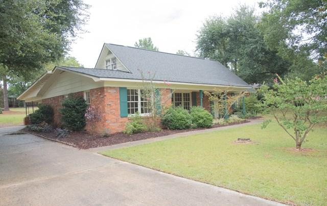 104 Stratford Rd, Greenwood, SC 29646 (MLS #114325) :: Premier Properties Real Estate