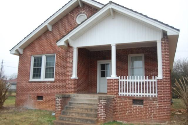 112 Eastman St, Greenwood, SC 29649 (MLS #114913) :: Premier Properties Real Estate