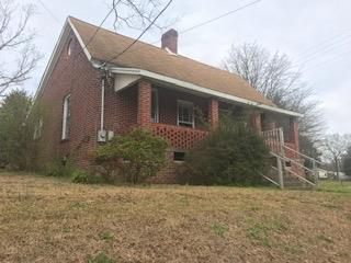 306 Lowell, Greenwood, SC 29646 (MLS #117026) :: Premier Properties Real Estate