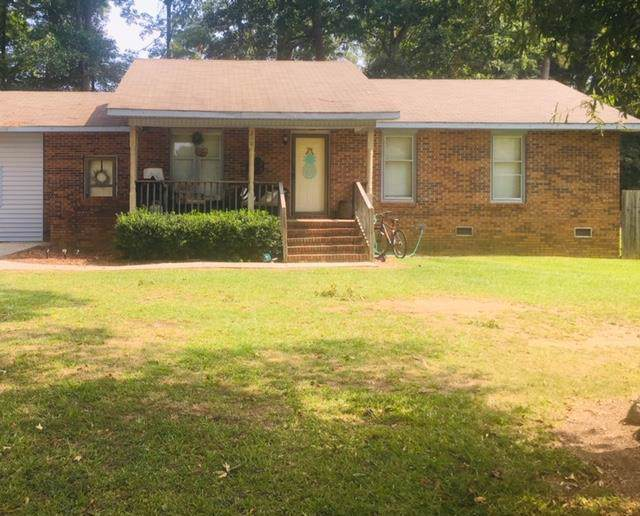 210 Augusta Cir, Greenwood, SC 29646 (MLS #117834) :: Premier Properties Real Estate