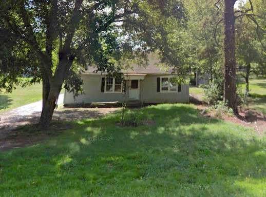 1807 Mccormick Hwy, Greenwood, SC 29646 (MLS #117889) :: Premier Properties Real Estate