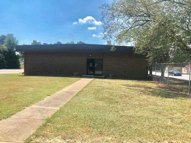 816 E Durst, Greenwood, SC 26949 (MLS #118013) :: Premier Properties Real Estate