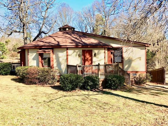 530 Sample Rd, Greenwood, SC 29649 (MLS #114906) :: Premier Properties Real Estate