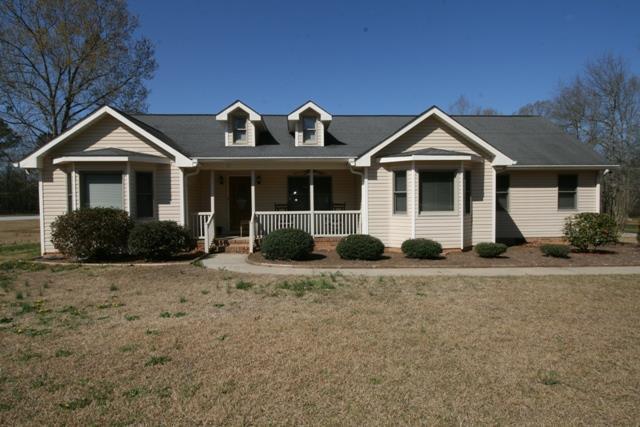 301 Ferncliff Drive, Greenwood, SC 29649 (MLS #115400) :: Premier Properties Real Estate