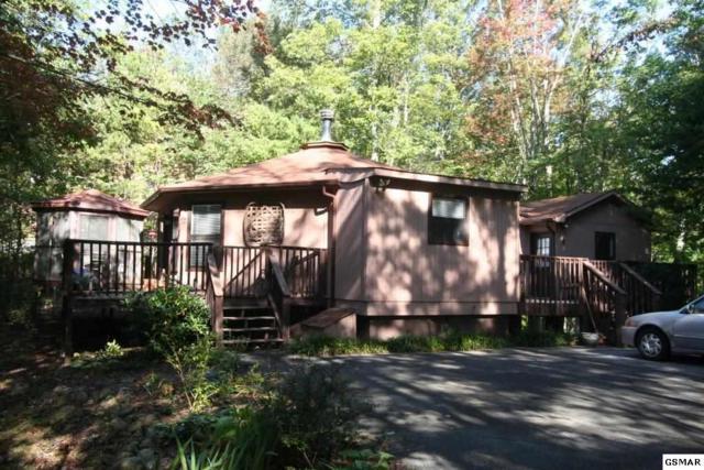 1071 E Foothills Dr, Gatlinburg, TN 37738 (#212678) :: Colonial Real Estate