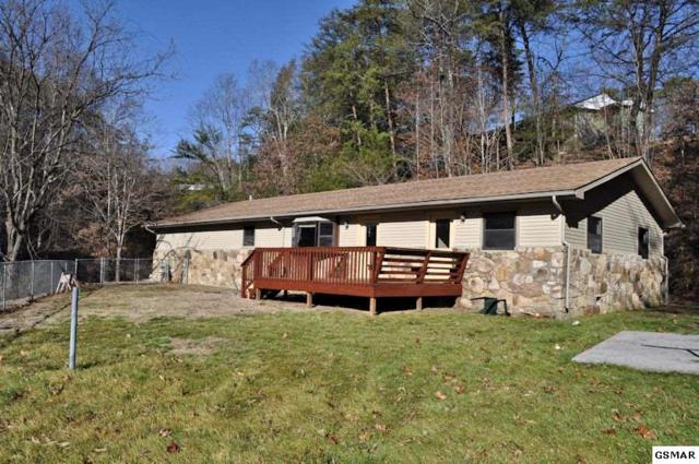 2509 Ridge Road, Pigeon Forge, TN 37863 (#214216) :: Colonial Real Estate