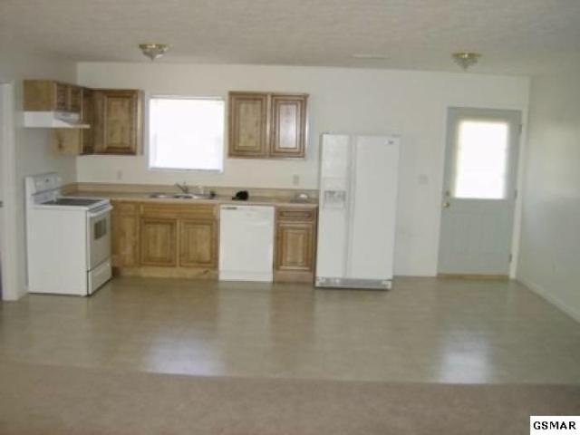 1055 Berry Trail Dr Logans Landing, Sevierville, TN 37862 (#216841) :: Four Seasons Realty, Inc
