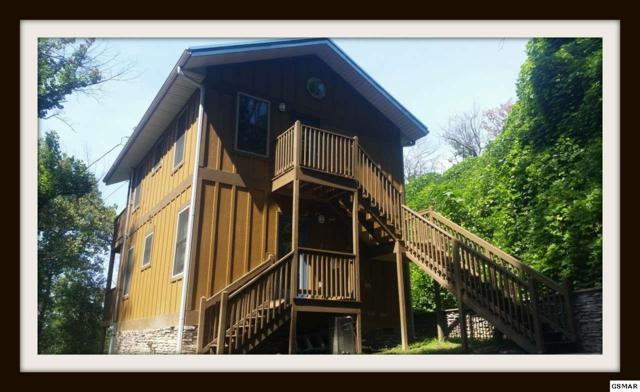 628 Woodland Dr, Gatlinburg, TN 37738 (#218218) :: Billy Houston Group