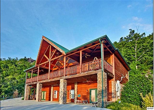 "3152 Lexy Lane ""Eagle Lodge"", Sevierville, TN 37862 (#220792) :: Billy Houston Group"