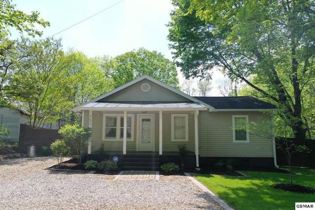 751 Cherokee Drive, Dandridge, TN 37725 (#221955) :: SMOKY's Real Estate LLC
