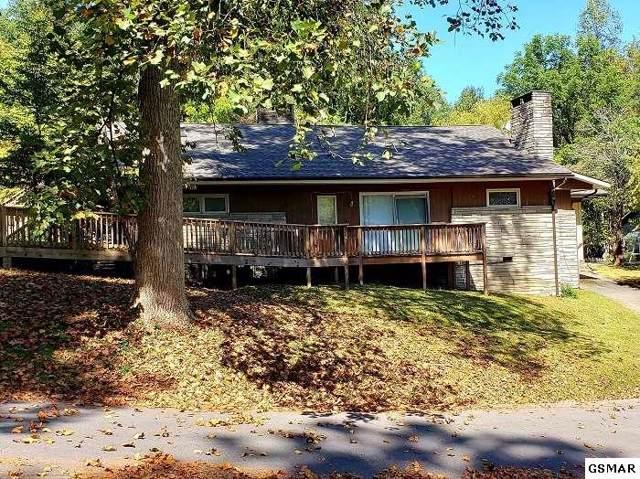 422 Laurel Ave, Gatlinburg, TN 37738 (#224829) :: Colonial Real Estate