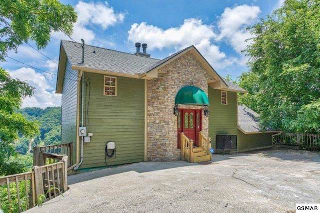 "1345 Ski View Drive ""Over Ober Lodg, Gatlinburg, TN 37738 (#226506) :: Colonial Real Estate"