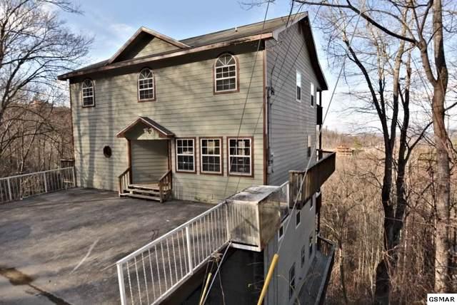 "925 Crooked Ridge Road ""Smokies Tower"", Gatlinburg, TN 37738 (#226726) :: Colonial Real Estate"