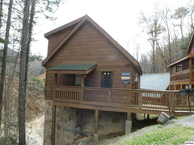 "815 Eagle Cove Way ""Simply Souther, Gatlinburg, TN 37738 (#227477) :: Four Seasons Realty, Inc"