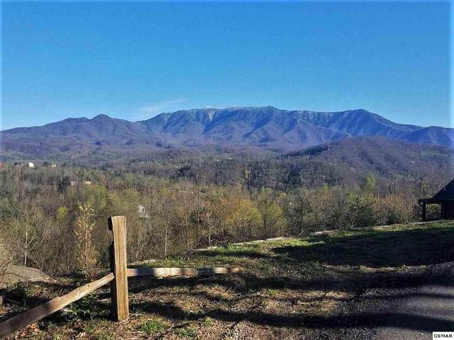 709 Deerfoot Dr, Gatlinburg, TN 37738 (#227707) :: Colonial Real Estate
