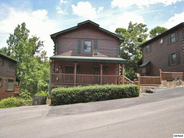 815 Spirit Loop Way, Gatlinburg, TN 37738 (#227740) :: Colonial Real Estate