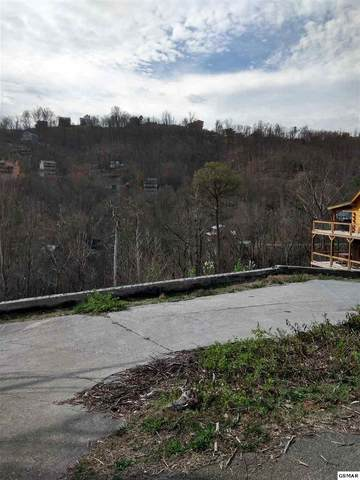 714 Pinecrest Ct, Gatlinburg, TN 37738 (#228411) :: Jason White Team | Century 21 Four Seasons