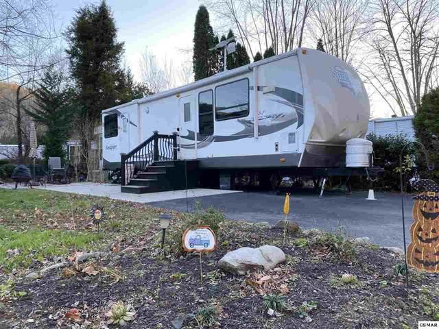 4229 E Parkway Lot 233, Gatlinburg, TN 37738 (#231178) :: Colonial Real Estate