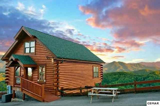 3111 Lakeview Lodge Dr Smoky's Awesome, Sevierville, TN 37862 (#231256) :: Tennessee Elite Realty