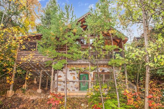 1609 Misty Hollow Way Bear's Treehous, Gatlinburg, TN 37738 (#240968) :: Prime Mountain Properties