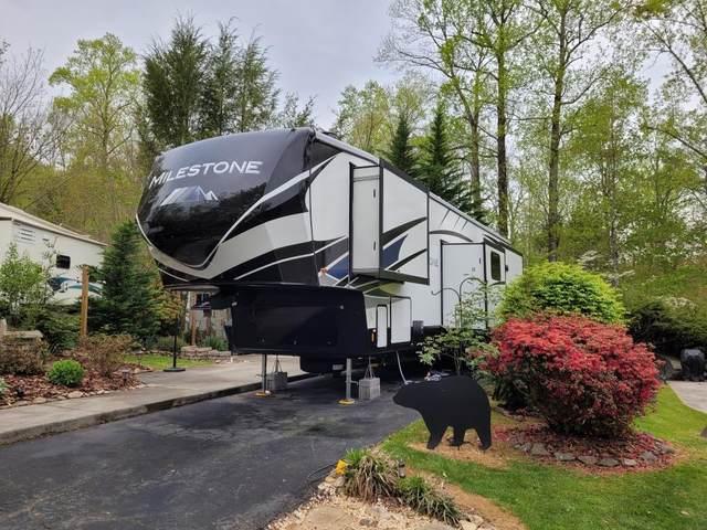 4229 E Parkway Lot #082 Lot W Camper, Gatlinburg, TN 38006 (#242250) :: Century 21 Legacy