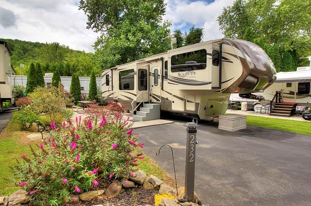 4223 E. Parkway Lot 232 Lot 232 W/5Th W, Gatlinburg, TN 37738 (#243862) :: Billy Houston Group