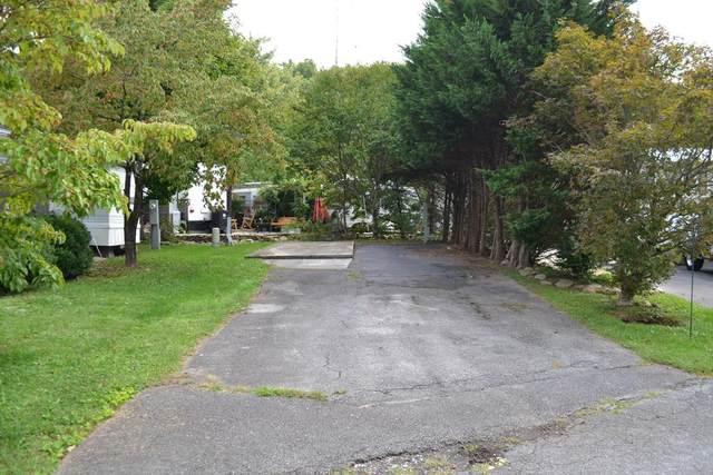 4223 E Parkway, Gatlinburg, TN 37738 (#245094) :: Colonial Real Estate