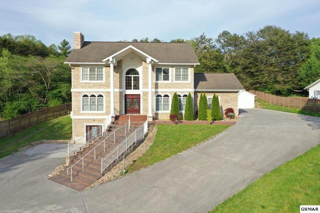 525 Kings Hills Blvd, Pigeon Forge, TN 37863 (#221734) :: Colonial Real Estate