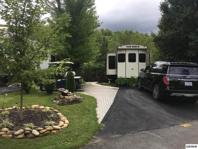 4229 E Parkway Lot #203 W/ Uni, Gatlinburg, TN 37738 (#227718) :: Colonial Real Estate